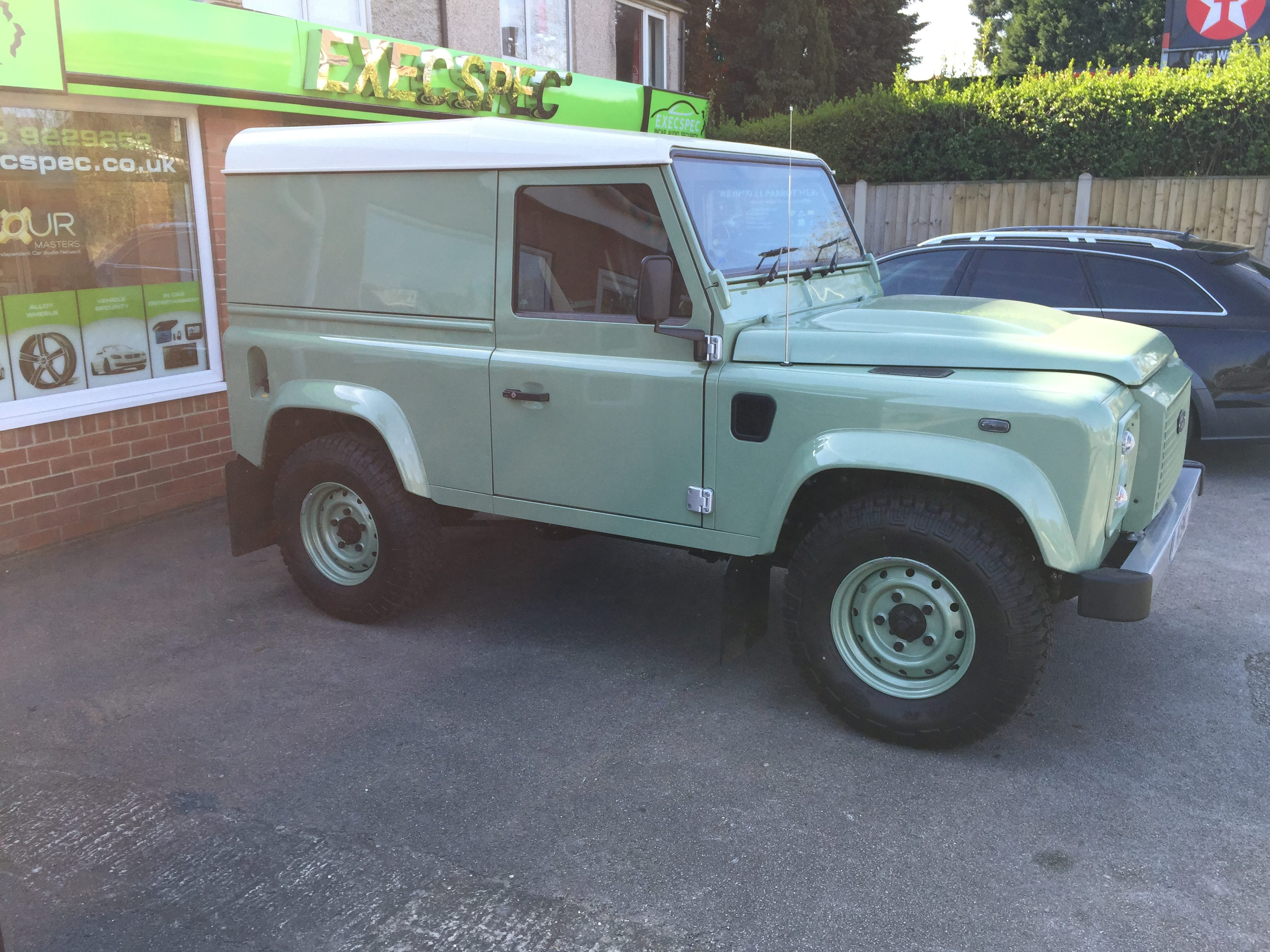 Land Rover Defender 75 Theft Increase Tracking My Car